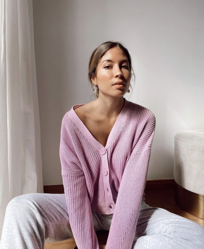 https://lilybreathe.com/collections/nouvelle-collection-automne/products/purple-drop-shoulder-sleeve-cardigan